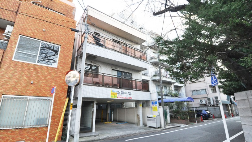Sugamo building entrance